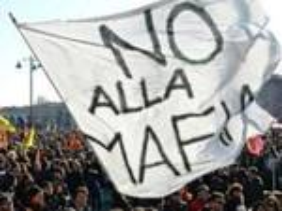 Veltroni: 'Attenzione, la mafia si insinua subdola nel tessuto economico'