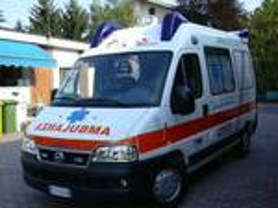 Finto medico in ambulanza a Latina, scattano gli accertamenti