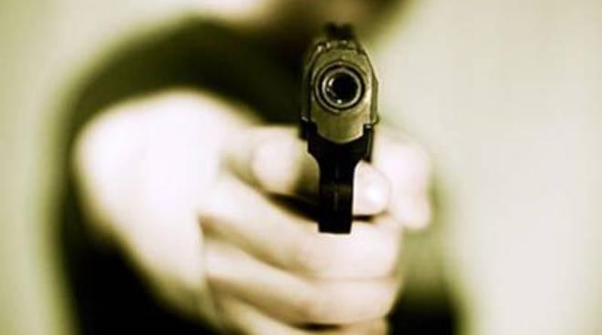 Rapina in banca: ladri in fuga con oltre mezzo milione di euro