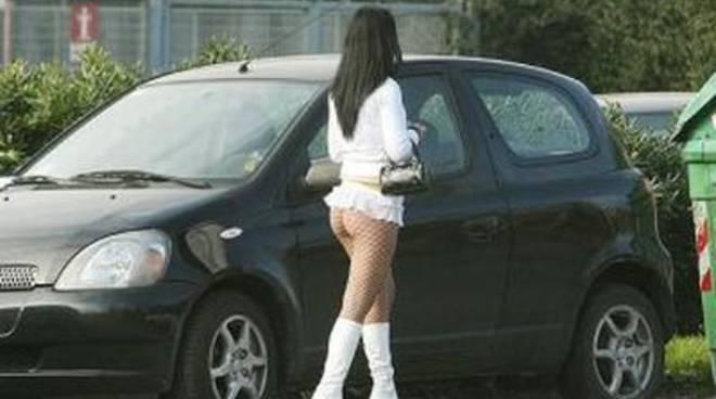 Calci e pugni tra prostitute, cinque arresti