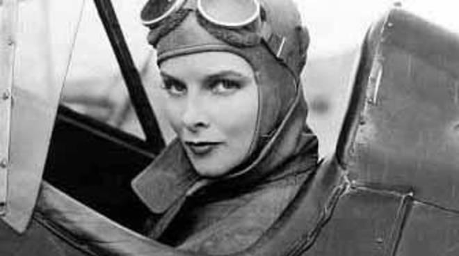 """""""Aquile rosa: storie di aviatrici 1910-1950"""""""