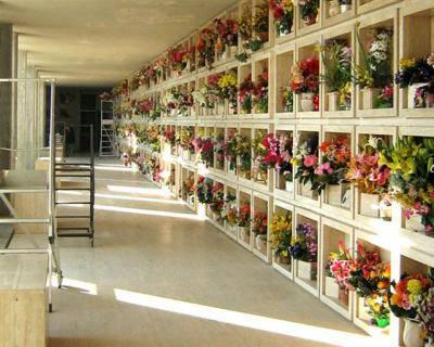 Razzia di vasi in rame al Cimitero di Terracina