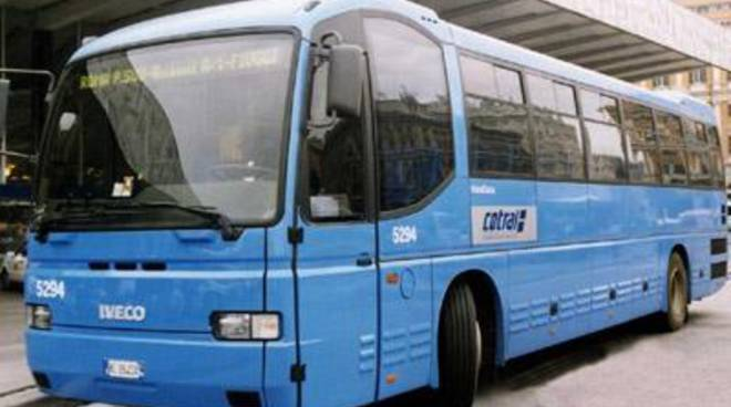 13enne colpito alla testa dopo lo scoppio di un copertone dell'autobus