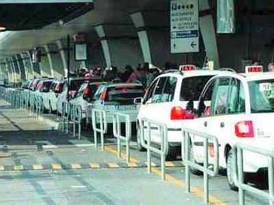 Abusivi, linea dura contro taxi e Ncc