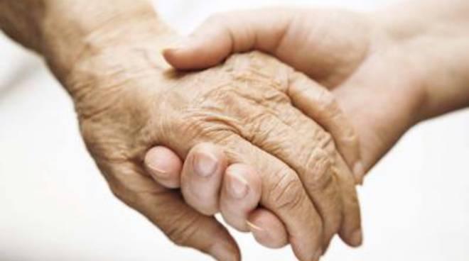 Alzheimer, dalla Regione fondi per servizi di cura e assistenza