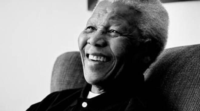 E' morto Nelson Mandela, simbolo della lotta contro il razzismo