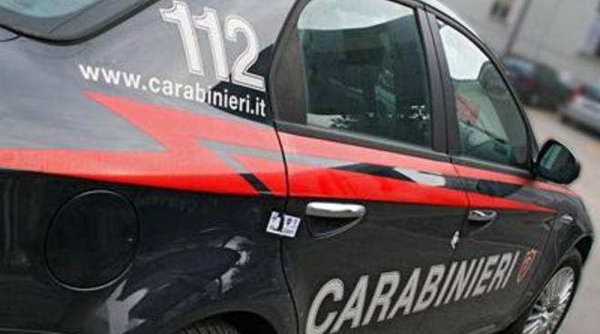 Picchia la madre 79enne, arrestato dai carabinieri