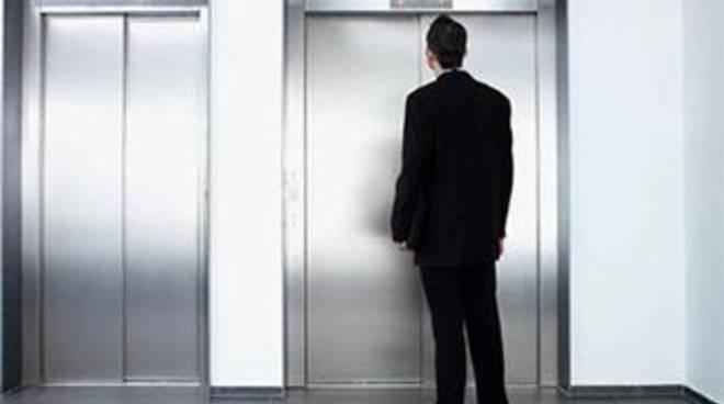"""""""A Ostia fermi oltre 200 ascensori per mancanza di fondi"""""""