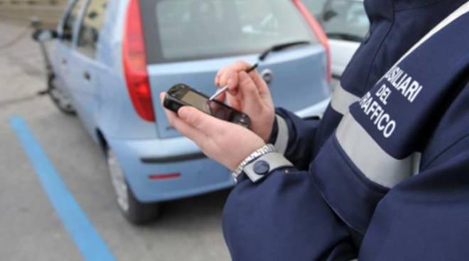 Soste a pagamento, in azione gli ausiliari del traffico