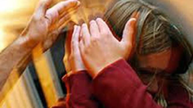 Fregene: violenza tra le mura domestiche