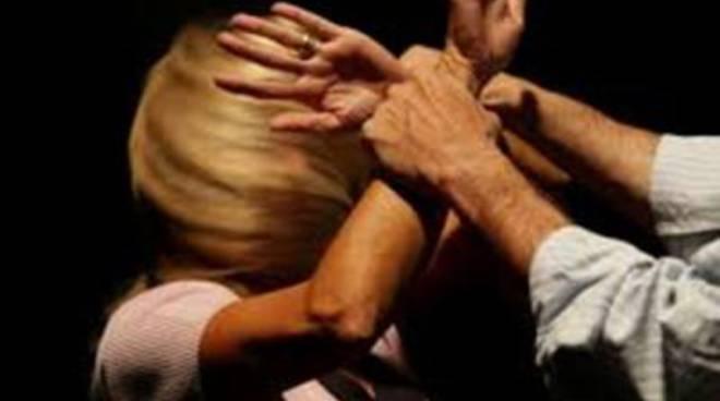 Nuovo grave episodio di violenza contro una donna