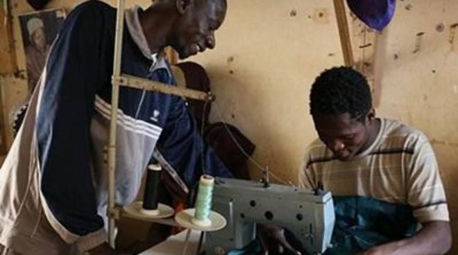 Farmacisti in aiuto, microcredito agli imprenditori di Malika