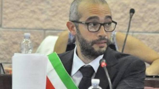 Il sindaco Cozzolino esprime la sua soddisfazione per l'accordo con i dipendenti<br />