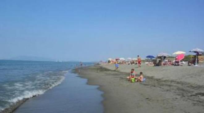 La spiaggia di Montalto ottiene la bandiera verde dai pediatri italiani