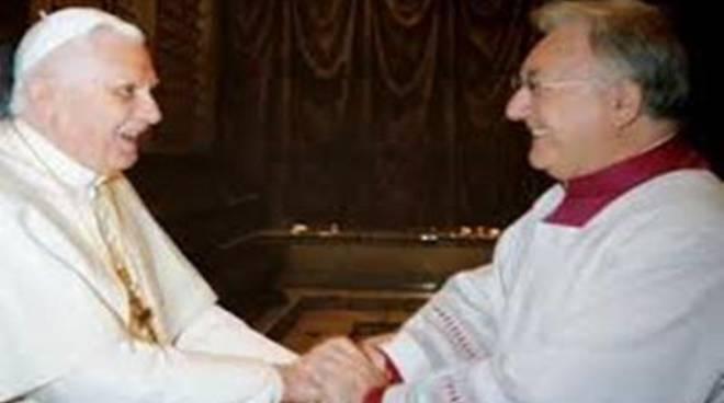 """Mons. Giuseppe Liberto presenta il libro """"Suggestioni in contrappunto"""""""