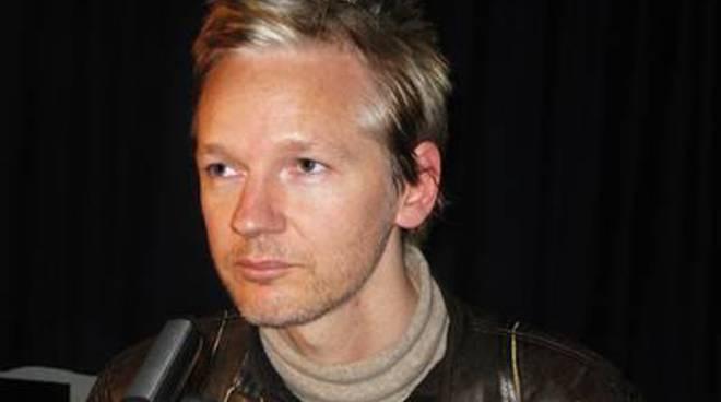 Assange, la Corte suprema svedese conferma l'arresto