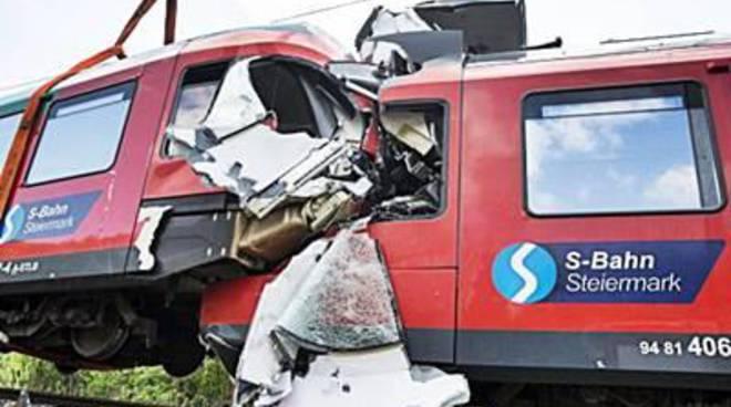 Austria, scontro tra treni. Un morto e nove feriti