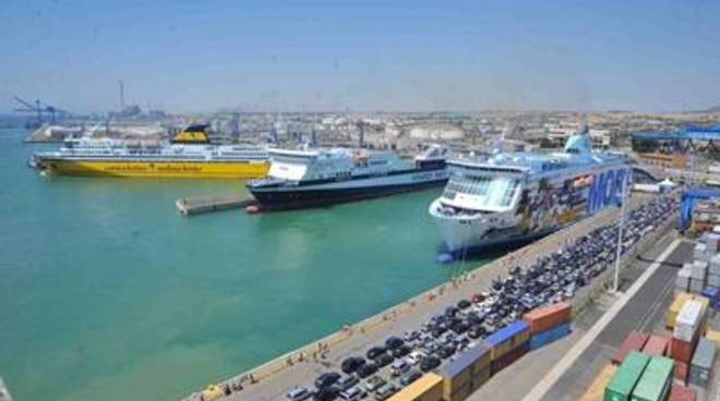 Civitavecchia, Porto: Boom dell'occupazione diretta delle imprese portuali