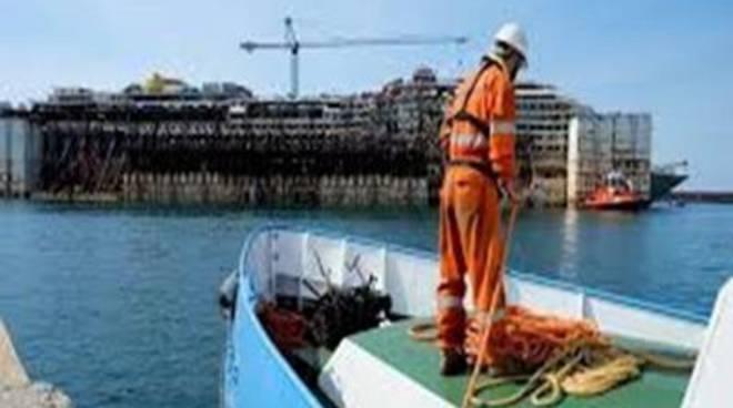 """Fi: """"Cosa succede in porto? Ruspe, demolizioni e cantieri improvvisati"""""""