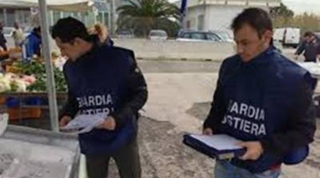 Porto: Controlli sul pescatoe su chi lo vende