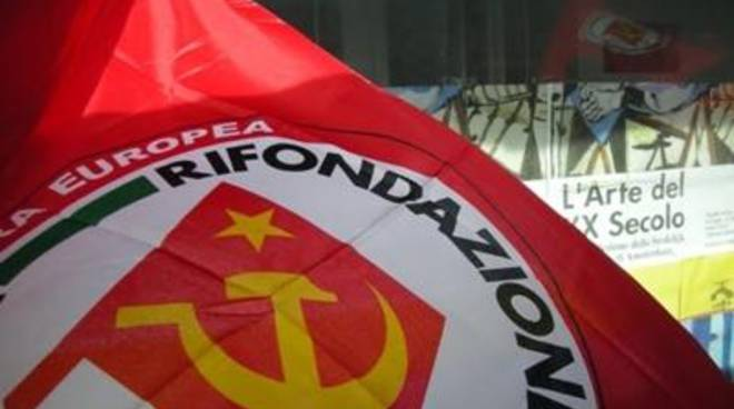 Rifondazione Comunista presente alla manifestazione davanti ai cancelli di Tvn