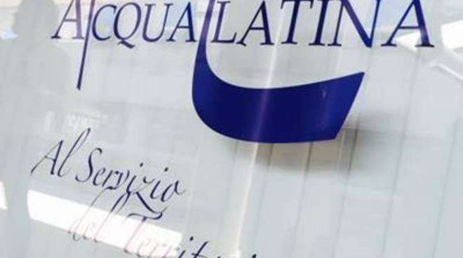 """Acqualatina: """"Smentita su Veolia"""""""