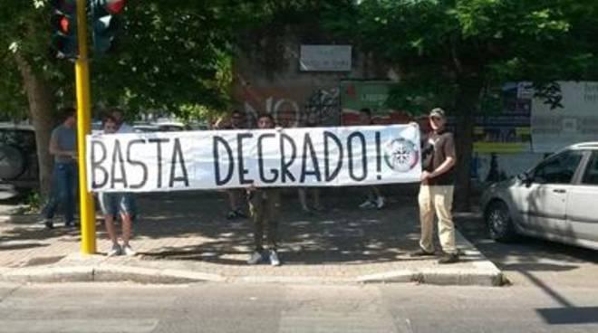 """CasaPound: """"Anche oggi impediti i mercatini rom abusivi"""""""