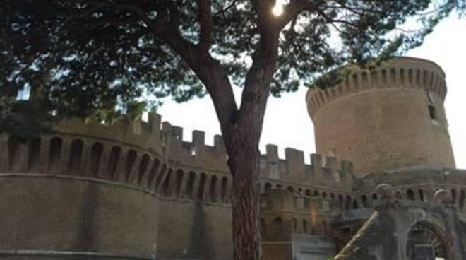 """Salviamo il Borgo di Ostia Antica: """"Continua l'indifferenza verso un gioiello di storia medievale"""""""