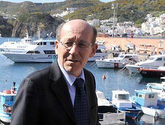 Tegola sull'ex sindaco Porzio: dovrà restituire al Comune di Ponza 85.800 euro