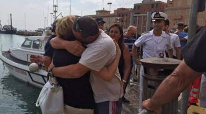 30 ore alla deriva: strappati alla morte dalla Guardia Costiera