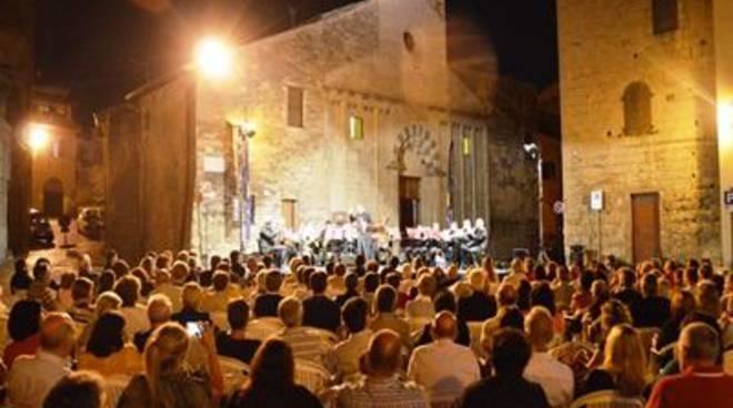 """Concerto """"Figaro che canta""""Nell'ambito del festival """"Notturni"""""""