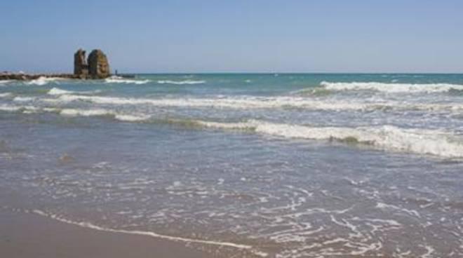 Mare, acque eccellenti parola di Arpa