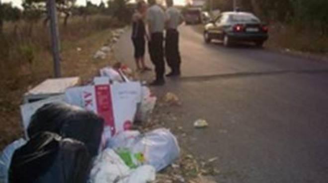 Raccolta dei rifiuti, Polizia Locale: in un mese 51 illeciti ambientali accertati