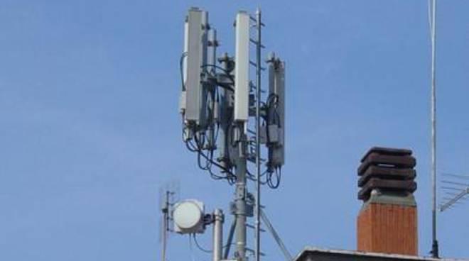 """Santori e Giudici: """"Sconcertante l'errore dell'Amministrazione sulle antenne per la telefonia"""""""