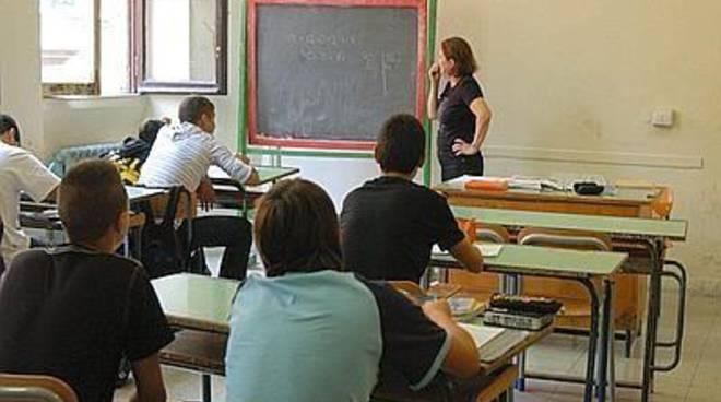 """Sel: """"L'obiettivo di Renzi è di distruggere la scuola"""""""