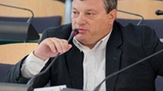 Solidarietà in cerca di risposte per l'aggressione al consigliere Ferreri