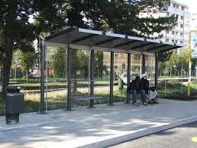 Trasporti e decoro urbano:tre nuove pensiline alle fermate degli autobus in Città