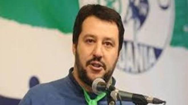 "Aeroporto, Salvini: ""Disagi? Roba da quarto mondo"""