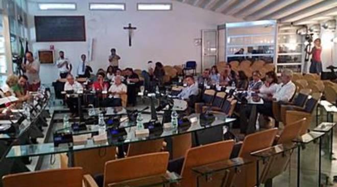 Fiumicino, approvato in Consiglio il Bilancio di previsione 2015