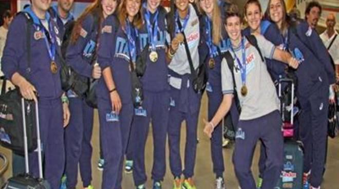 Pallavolo: festa a Fiumicino per le azzurrine vincitrici dai mondiali