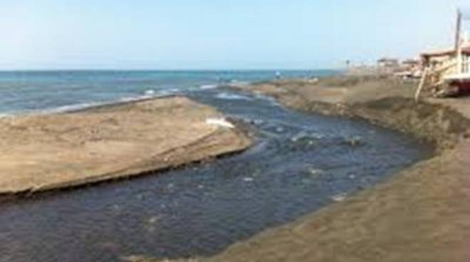 Sversamento di liquami nel Sanguinara. Richiesta di chiarimenti del Sindaco