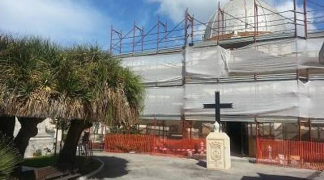 In corso la ristrutturazione della Cappella del Cimitero Comunale