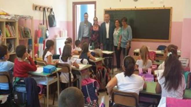 Primo giorno di scuola, il Sindaco visita i plessi scolastici