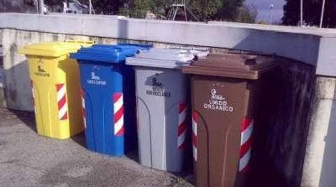"""Raccolta dei rifiuti porta a porta, M5S: """"Siamo in attesa dell'Area Metropolitana"""""""