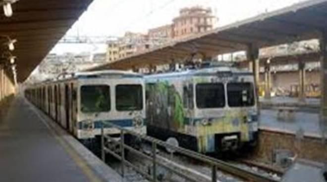 Asso-consum: l'odissea dei pendolari della Roma-Lido