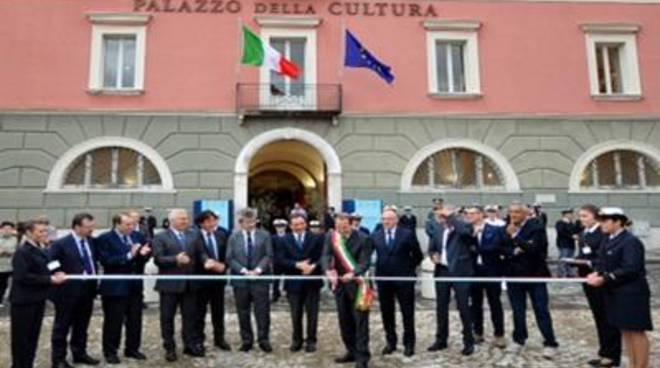 Dopo 40 anni apre il Palazzo della Cultura. Grandepartecipazione di istituzioni e cittadini