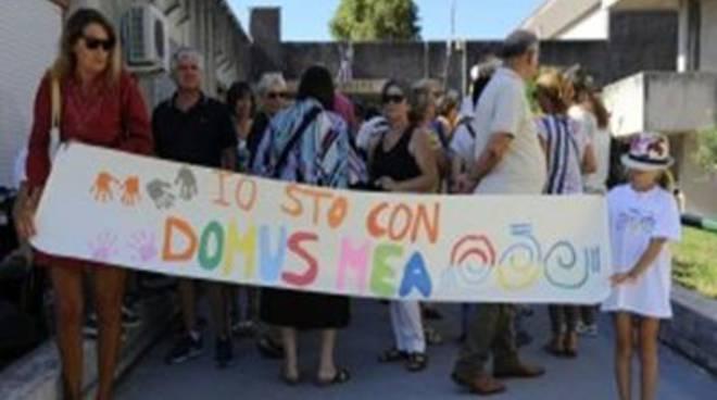 Il caso Domus Mea: la comunità chiede risposte