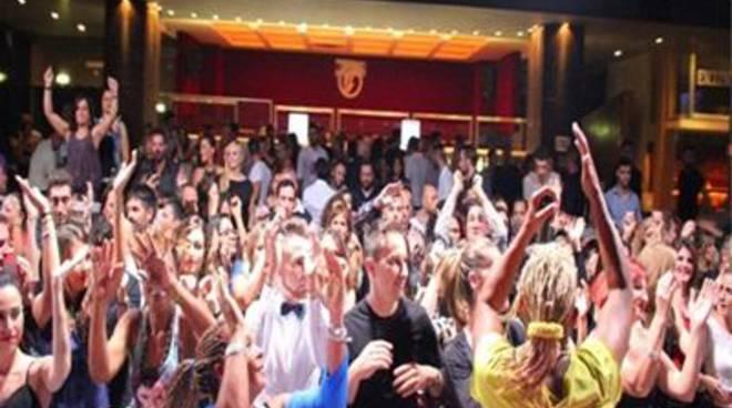 La prima ufficiale di ''Sabato Latino'' a ''Sofia Club''