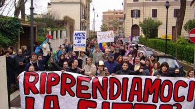 """Prc in piazza ad Anzio, Lanuvio, Genzano e Albano, per dire al governo """"I soldi ci sono"""""""