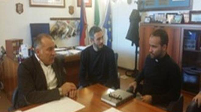 <span>Il Sindaco incontra il nuovo parroco di Tor San Lorenzo</span>
